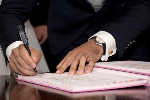 Kirchenrecht nicht eingehalten: Vertrag auch zivilrechtlich unwirksam!