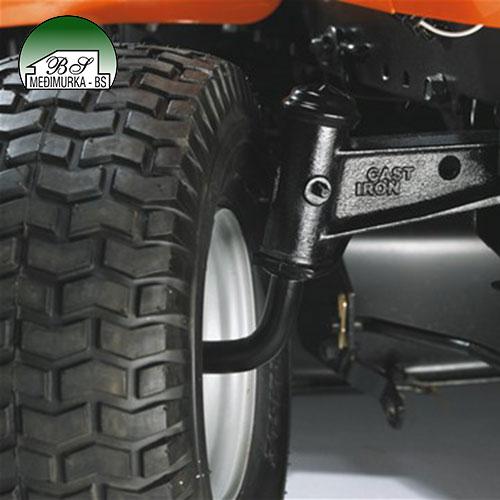 Husqvarna traktorska kosilica TS138