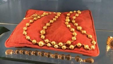 Photo of Ukradena zlatna krunica koja je bila važan dio katoličke povijesti