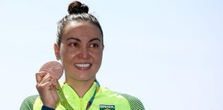 Rio 2016: Poliana Okimoto é bronze nos 10km