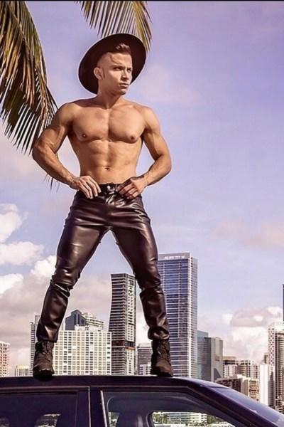 Jonathan - Dancer - Miami, Florida