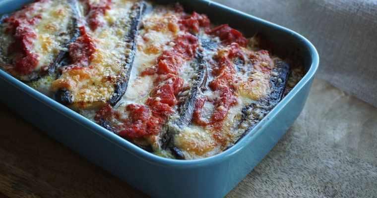 Baklažānu sacepums ar  sieru (aubergine parmigiana)