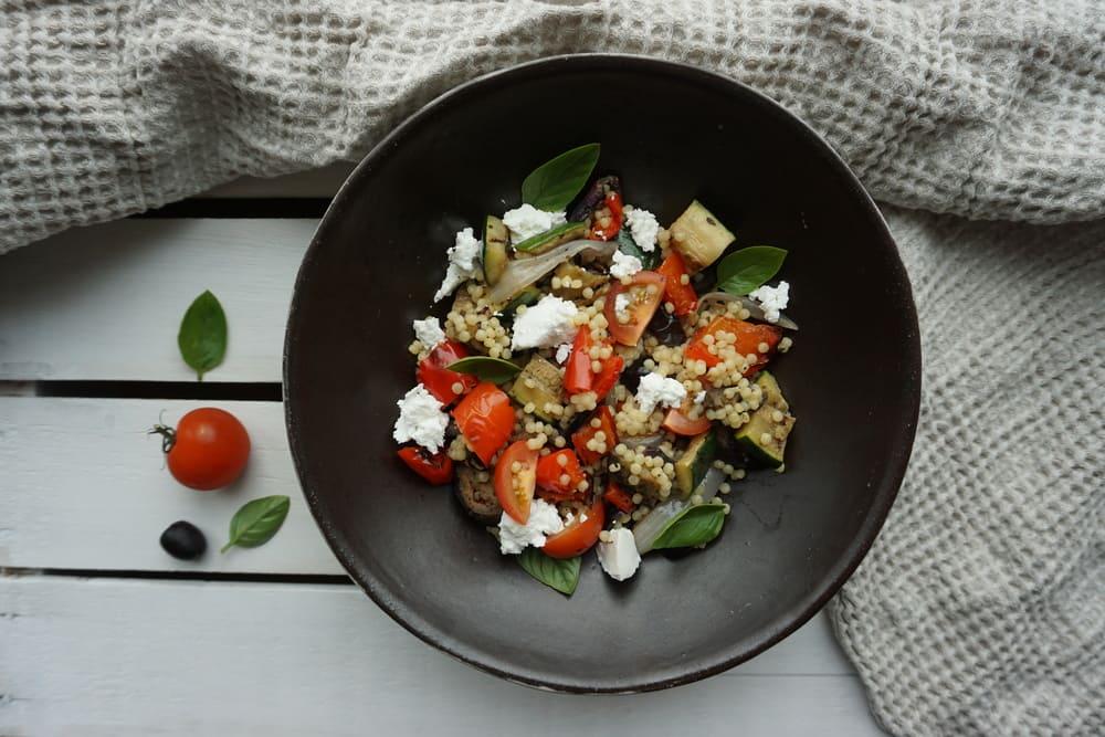 Grilētu dārzeņu salāti