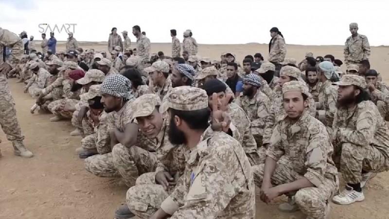 """Bojovníci """"Južného Frontu"""" SSA, ktorí prechádzajú prípravou v jordánskych táboroch"""