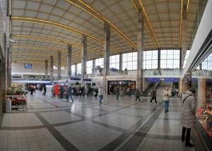 Wien_Westbahnhof_Kassahalle,_Panorama