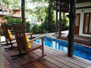 Hütte mit Pool