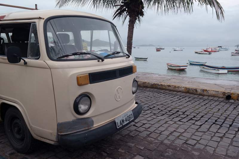 VW-Bus in Búzios