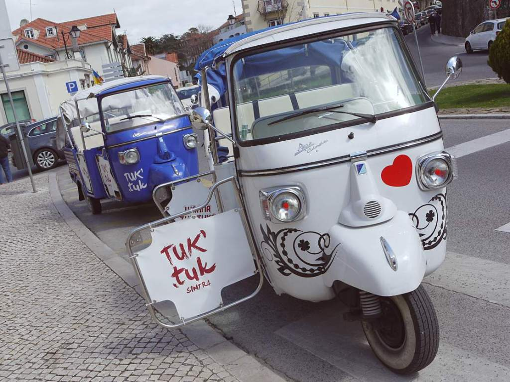 TukTuk in Sintra