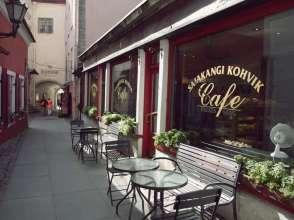 ins Café