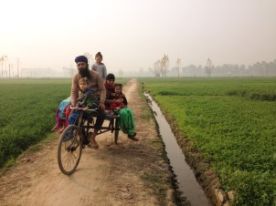 Davinder's cousin & family coming to the fields