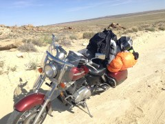 The bike can do packed & maintained dirt roads, but when it gets sandy we bail out rather than slide out. So we didn't get too far up the cottonwood trail, but that also means we were closer to a water station.