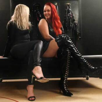 Mrs Victoria DeVil & Mrs Lynn Cane - April Actie - Double Trouble