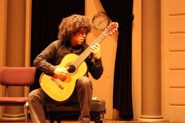 judicael perroy preparing for a concert
