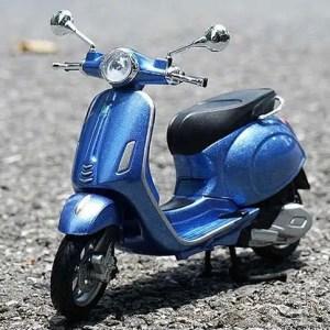 Vespa Primavera 150 藍色電單車【 比例 1:12 】