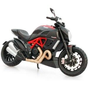 杜卡迪 大魔鬼 Ducati Diavel Carbon