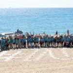 Voluntaris per netejar la Platja de la Mar Bella