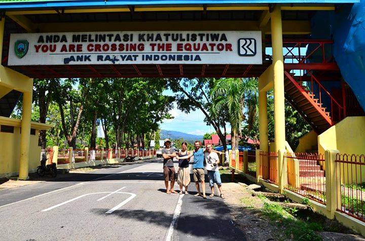 a punto de cruzar el Meridiano Ecuador