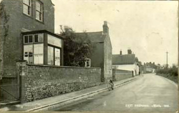11 ivy house1950