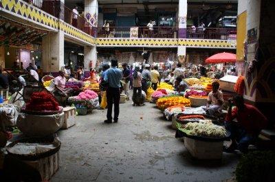 flower-and-veg-market-inside-a-heritage-building-400×266.jpg