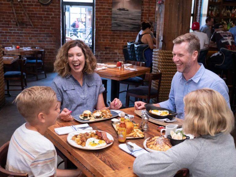 family-dinner-horz-768×576.jpg