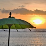 Sunset and green umbrella on Gilli T