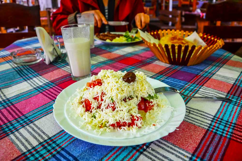 Vegetarian and Vegan Travel. The best Countries for Vegetarian and Vegan friendly travel. Vegetarian and Vegan friendly destinations. Vegetarian and Vegan foodie destinations. Veganuary. Healthy Lifestyle. The best vegetarian and vegan foods around the world. #vegantravel #veganuary #vegandestinations #veganfriendlytravel #vegetarianfriendlytravel #vegetariandestinations #vegetarianandvegantravel #vegetarianandvegandestinations #backpackingveggies #backpackingvegan #govegan #govegetarian