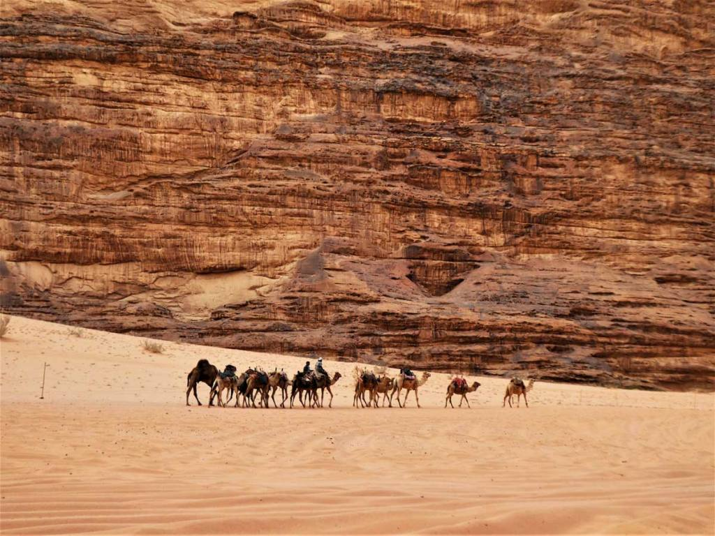 Wadi Rum Desert Camp Experiene. what to expect of this awesome experience in Jordan. Follow the footsteps of the Bedouin people in this UNESCO listed site. #MiddleEast #Jordan #BucketList #UNESCO #Camping #DesertLove #Bedouin #BeautifulDestinations