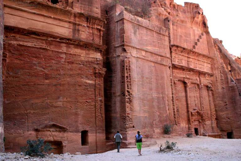 Street-of-Facades-at-Petra-Optimised
