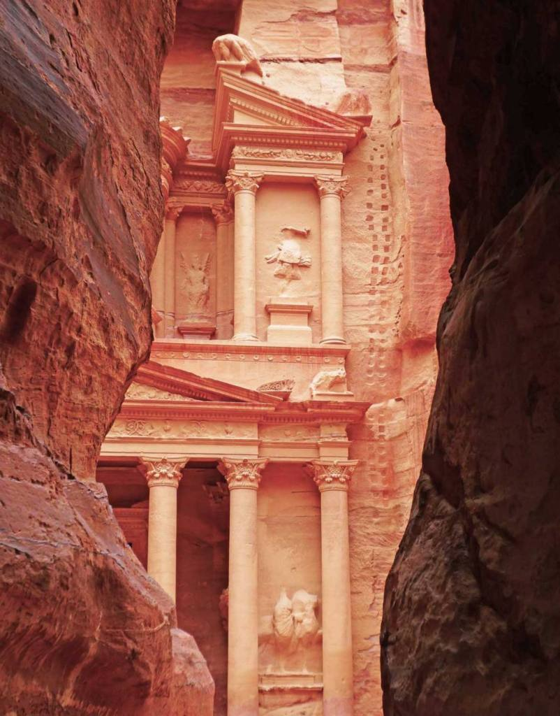 View-of-the-Treasury-through-the-Siq-at-Petra-Optmised