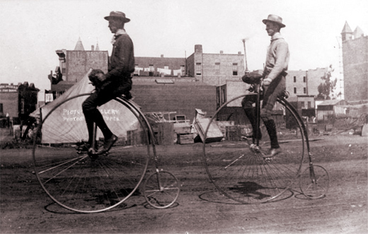 1885 Penny Farthing High Bicycle - Wiki Commons