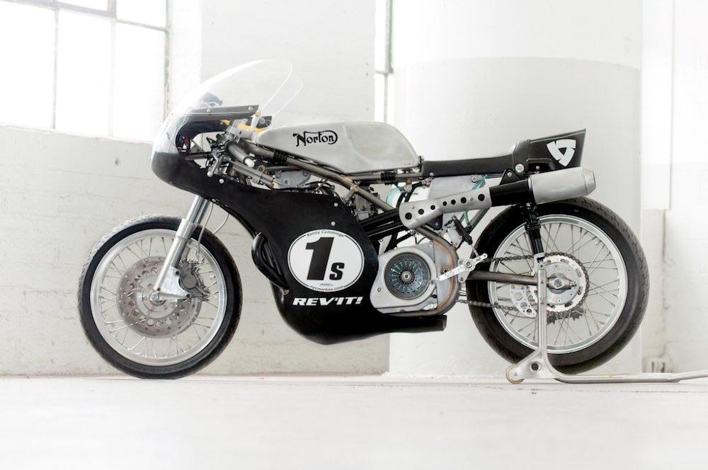 Seeley Norton :: Building A Vintage Racing Motorcycle (1)