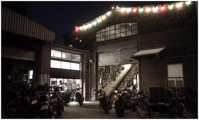 The_garage_hvid_kant72