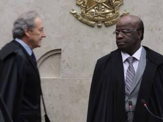 Segundo dia do julgamento dos recursos do mensalão termina após discussão entre Barbosa e Lewandowski Foto: André Coelho / Agência O Globo