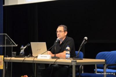 Isaac Moreno Gallo explicando su ponencia. Foto: Rafa Zubiria