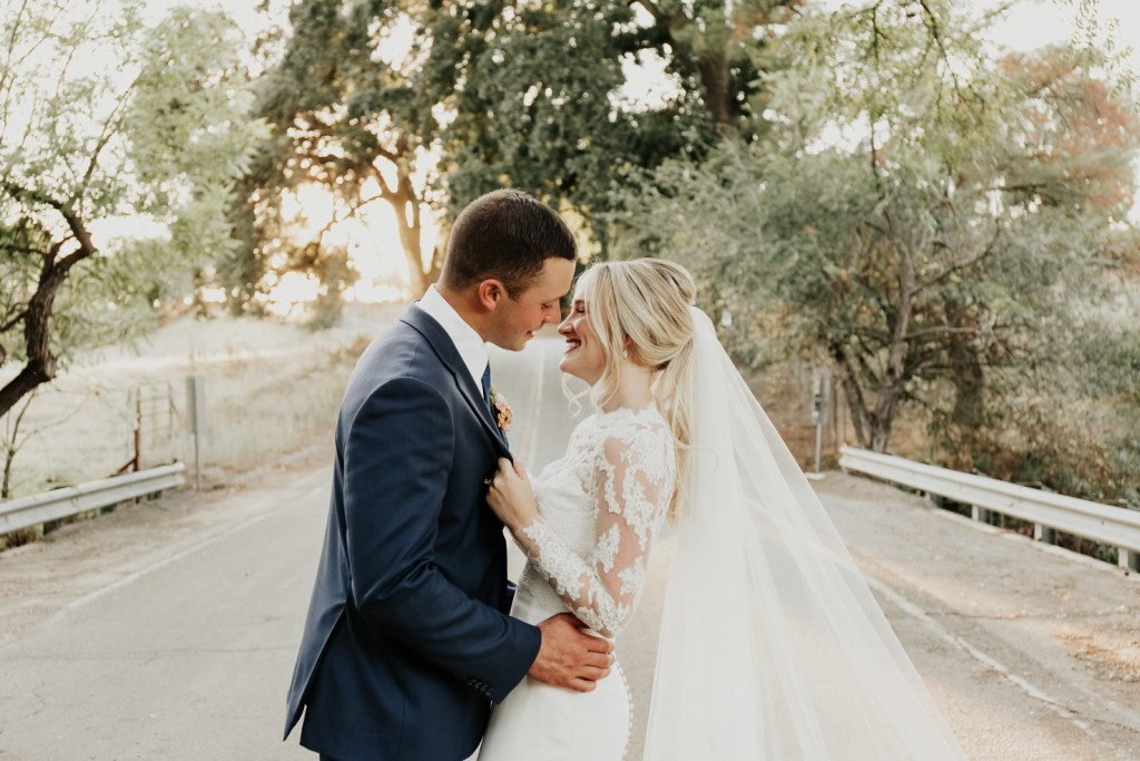 Megan Claire Photography | Northern California Wedding Photographer. Outdoor fall wedding portraits on country road @meganclairephoto