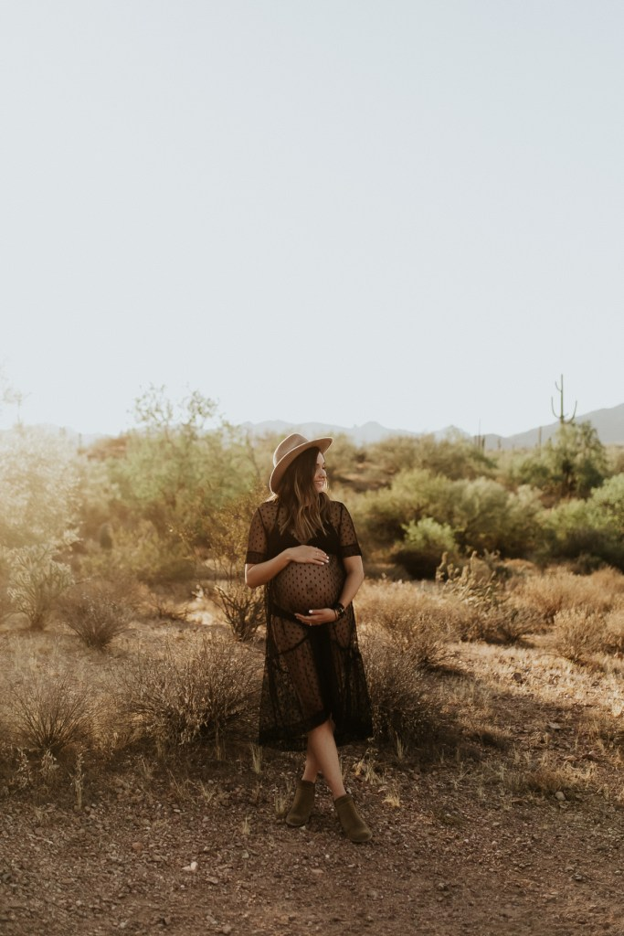 Megan Claire Photography   Phoenix Arizona Maternity and Newborn Photographer. Arizona maternity session in the desert at Phon D Sutton Recreation area in Mesa, Arizona @meganclairephoto