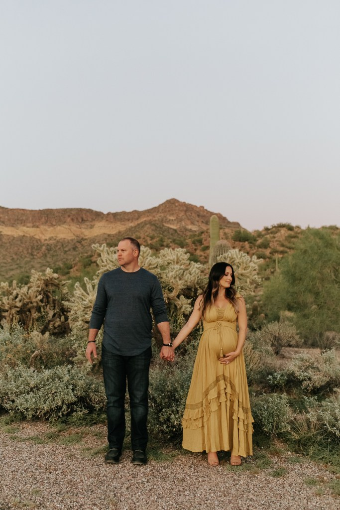 Megan Claire Photography | Phoenix Arizona Maternity and Newborn Photographer. Arizona desert maternity photo session @meganclairephoto