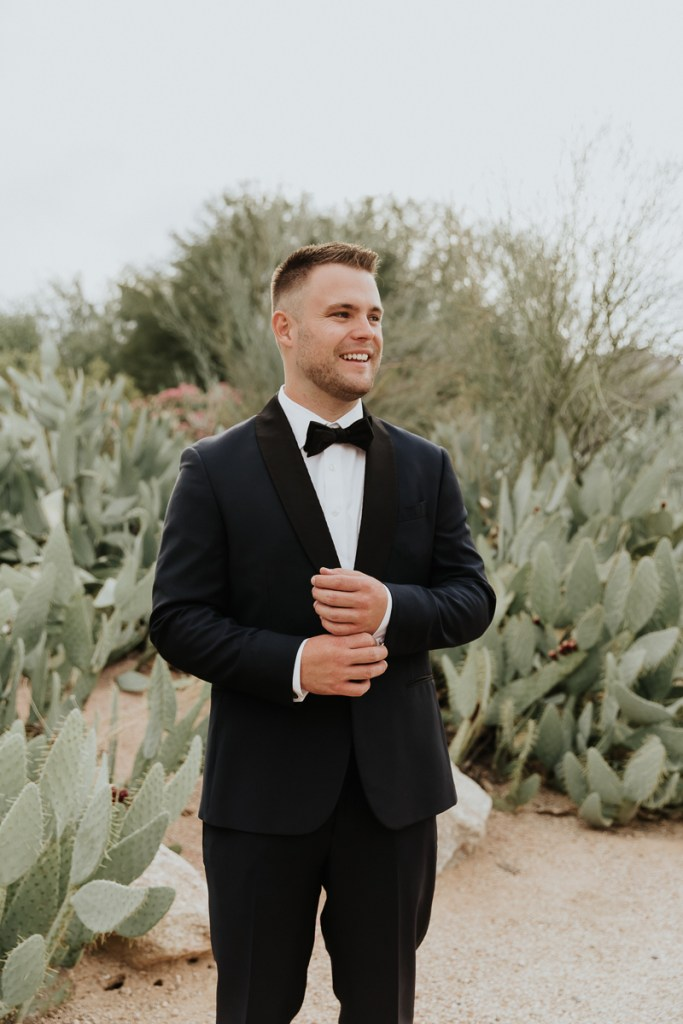 Megan Claire Photography | Arizona Wedding Photographer. Megan-Claire.com  Scottsdale Arizona Resort Wedding at Andaz Resort. Groom Getting ready photos @meganclairephoto