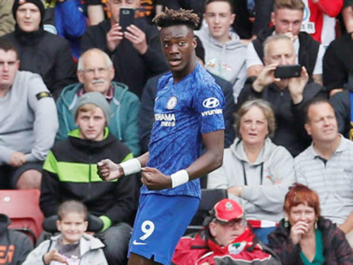Man. City fall to wolves as Chelsea whip Southampton