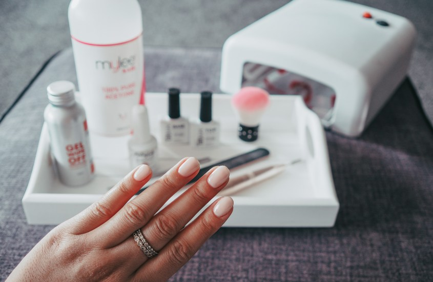 DIY BEAUTY: At Home Gel Nails