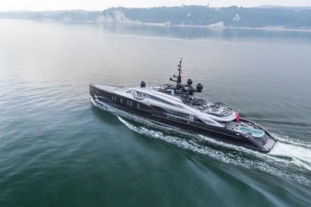 El súper yate OKTO por ISA Yachts tiene la personalidad de un coche deportivo y la elegancia de una mansión