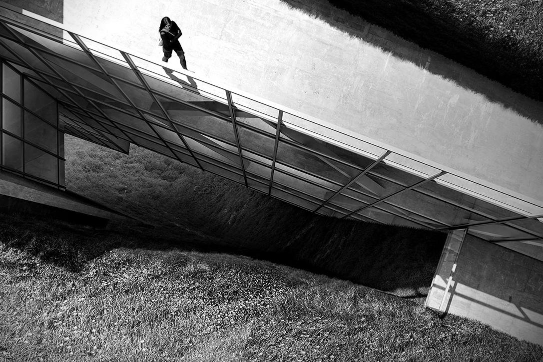 Vive Al Límite En Este Impresionante Refugio En Un Acantilado En Islandia