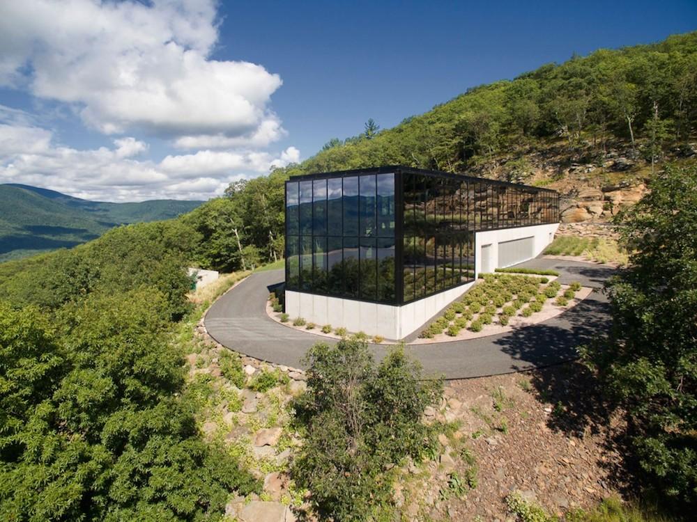 """Shokan House: Jay Bargmann diseña esta hermosa y espaciosa mansión contemporánea en las colinas de """"Catskill"""", Nueva York"""