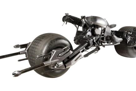 """Ahora puedes adquirir el BATPOD de Batman: La moto utilizada en """"The Dark Knight"""" va a subasta con un precio minimo de $80.000"""