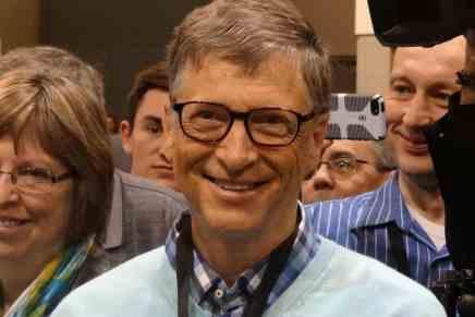 En 25 años podría surgir el primer TRILLONARIO del mundo y sería Bill Gates