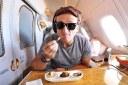 ¿Qué se siente volar en una cabina de primera clase de $21.000?