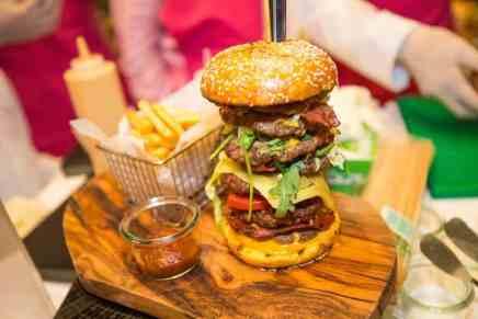 La hamburguesa más cara del mundo se vende por la suma de ¡$10.000! en Dubái