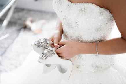 ¿Cuánto pagarías por tu vestido de novia? Echa un vistazo al MÁS CARO del mundo, en venta por $2,14 millones