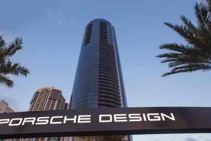 Porsche Design Tower: Estaciona tus súper coches con estilo dentro de tú apartamento en este lujoso rascacielo en Miami
