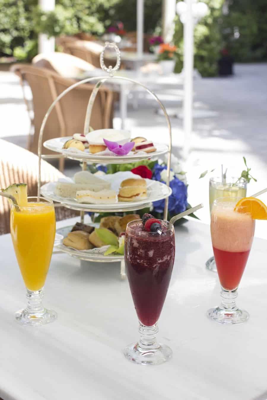 Las meriendas más Chic del verano se viven en el jardín del Hotel Ritz, Madrid